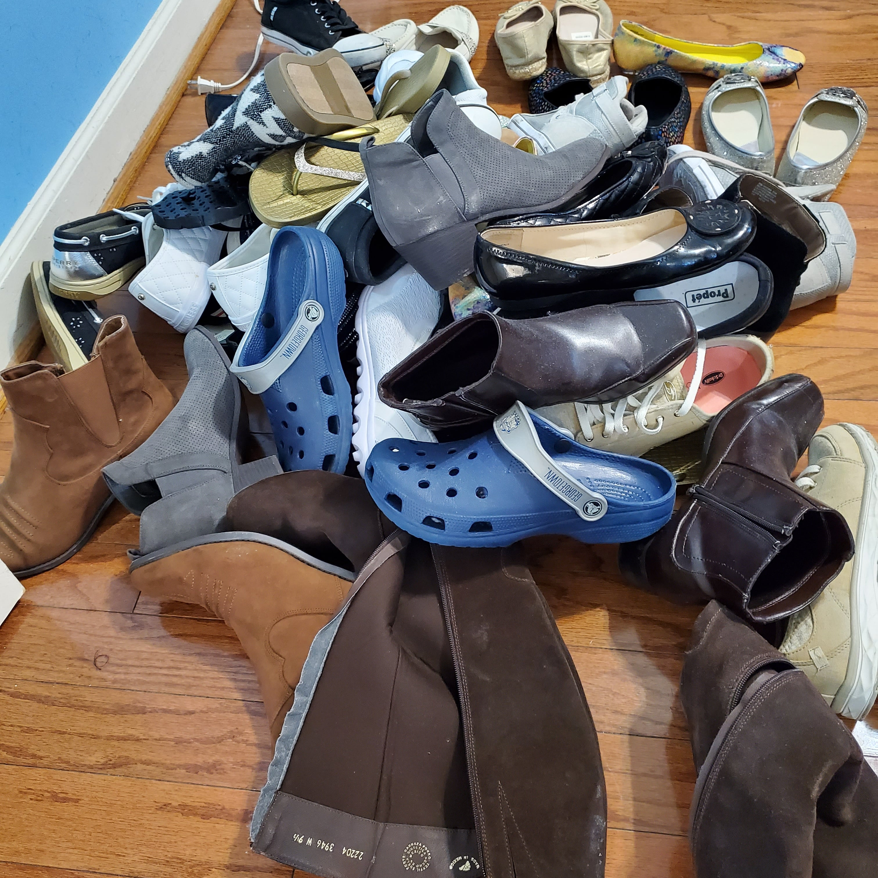 Sheri had surgery on her foot for lymphedema, all went well, but now none of her shoes fit! They will go to good homes, 3-21.